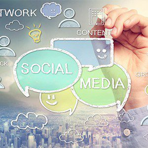 The Key Role of Smartphones In Social Networking